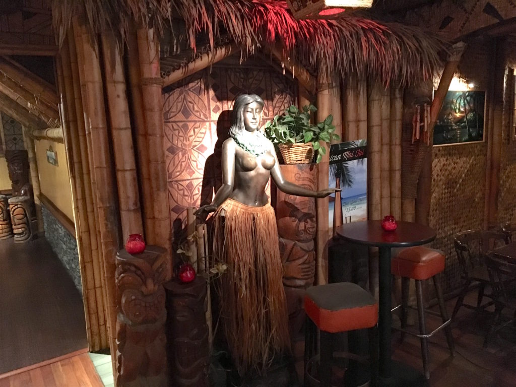 Hula girl at The Kona Club
