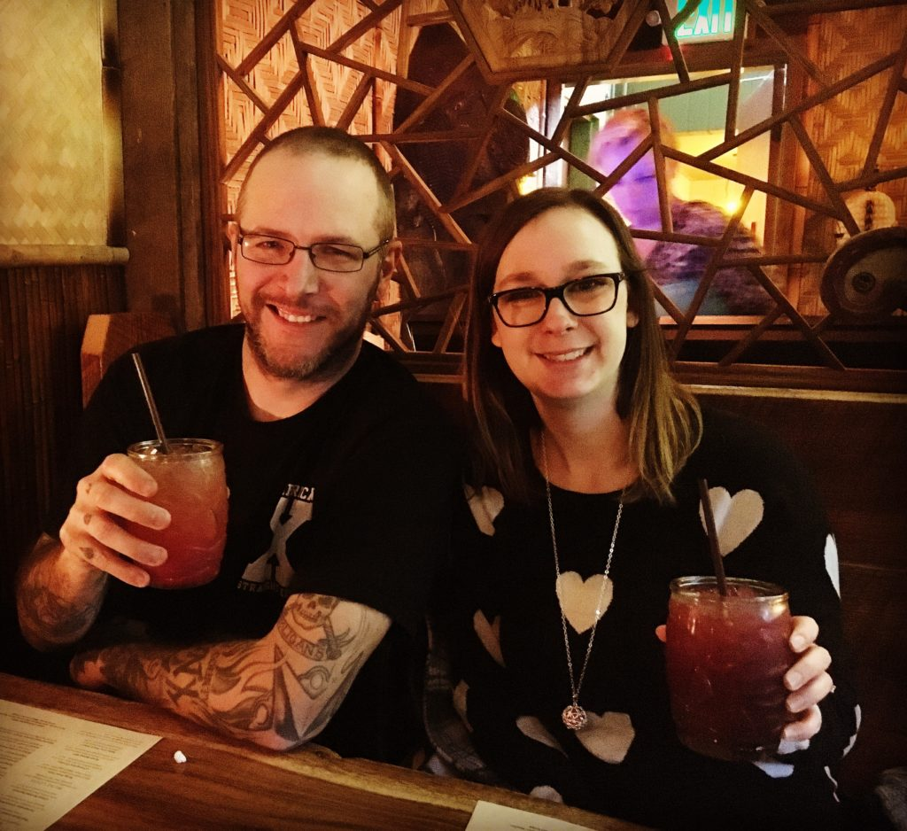 Bobby with a Ginger Island and Birgitta with a Black Beard's Berry Lemonade