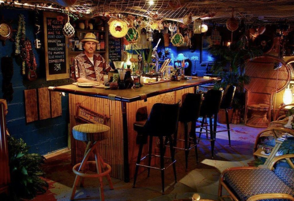 Tiki with ray living the tiki lifestyle with ray wyland for How to build a beach bar