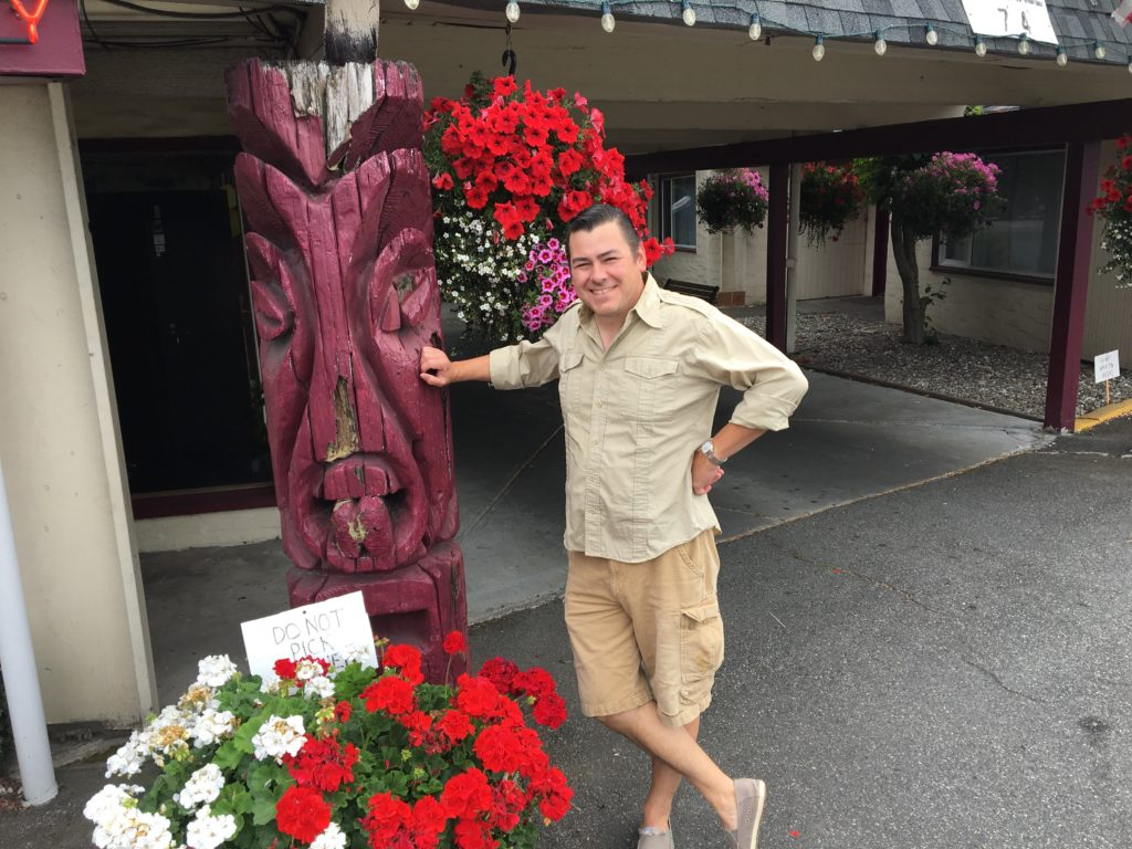 Travis Bay - The Man who discoverd the Tikis at West Winds Motel